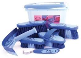 Grooming Kits & Boxes